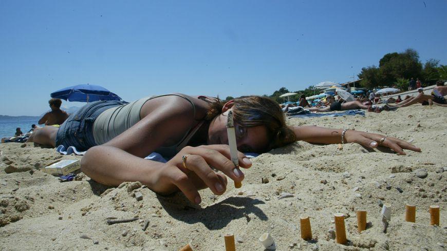 En deux petites heures, 8.000 mégots ont été ramassés sur la plage de Palavas (illustration)