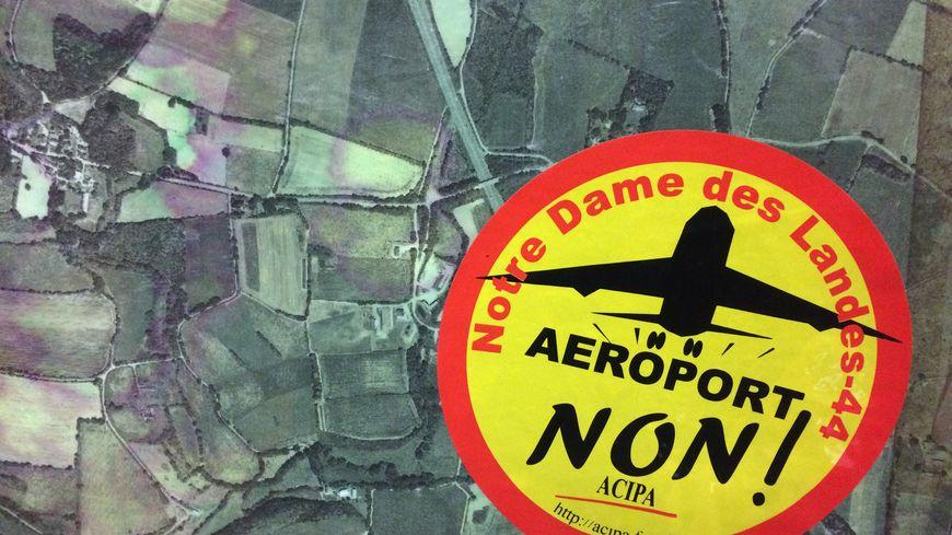 Le logo de l'Acipa est devenu le symbole des anti-aéroport