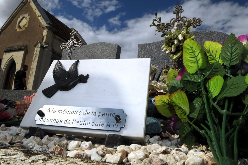 La petite inconnue de l'A10 est enterrée au cimetière de Suèvres