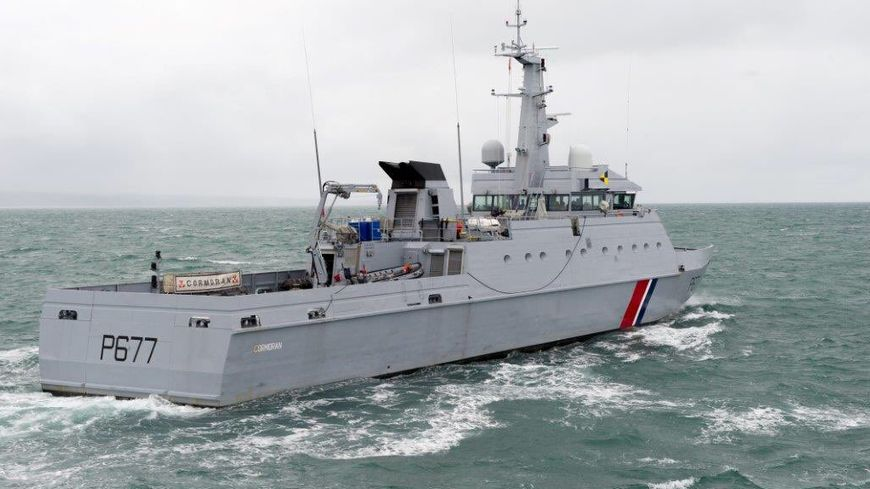Le patrouilleur de la Marine nationale, Le Cormoran, a proposé son aide