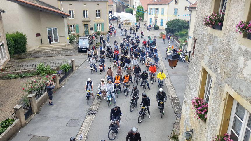 120 amateurs de Solex ont participé à un circuit de 90 km dans le secteur de Rodemack, samedi 2 juin.
