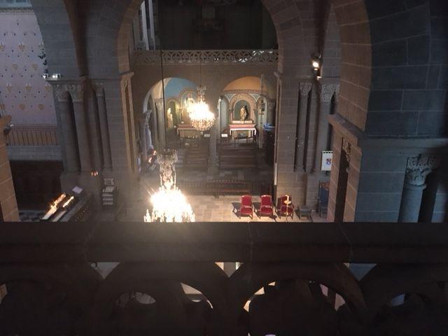 Une vue imprenable sur la cathédrale du Puy depuis la tribune