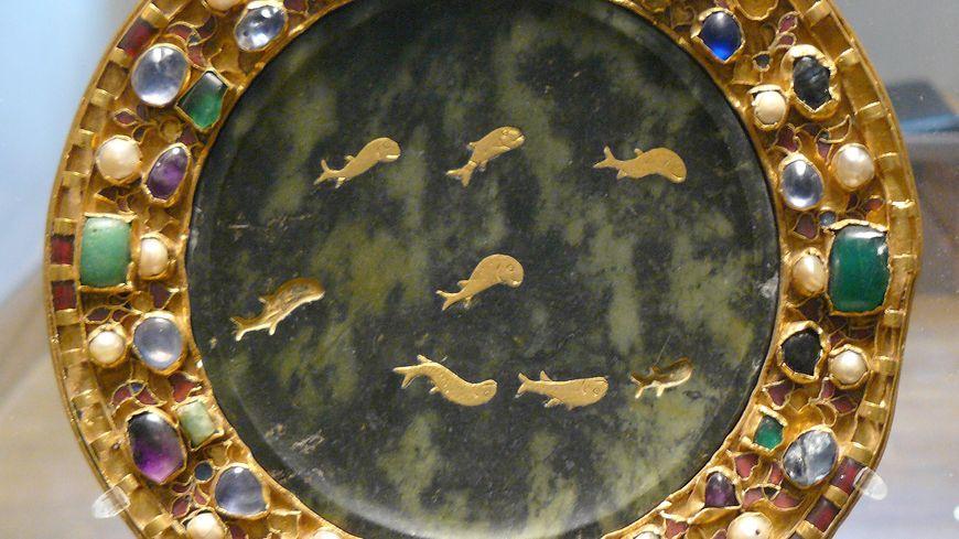 La Patène de Charles le Chauve provenant du trésor de Saint-Denis pourrait être exposée prochainement au musée de Saint-Antoine l'Abbaye