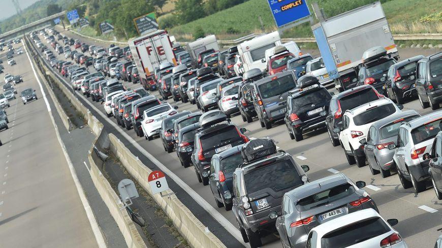 Les oxydes d'azote sont émis par les véhicules