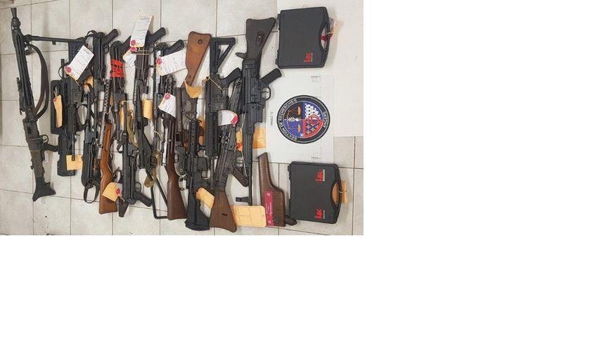 Les gendarmes ont saisi 700 armes lors de la dernière vague d'interpellations, et pas moins de 1900 depuis le début de l'enquête