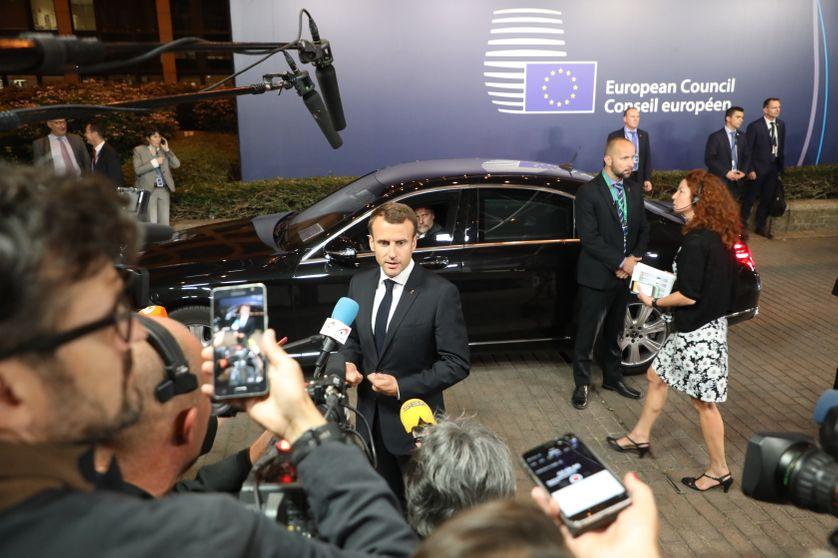 Emmanuel Macron quitte le sommet européen de Bruxelles