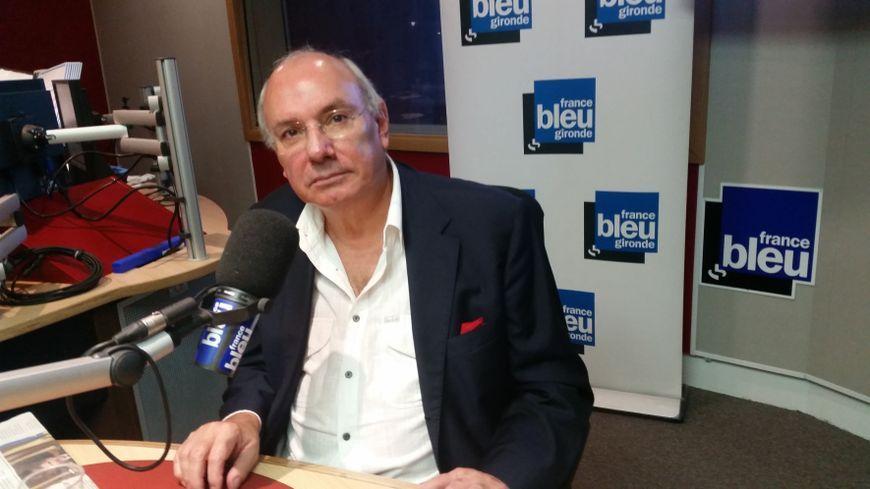 L'avocat Gérard Boulanger dans les studios de France Bleu Gironde.