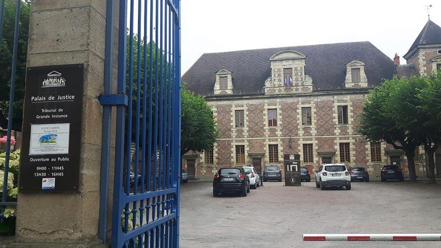 Le palais de justice de Moulins