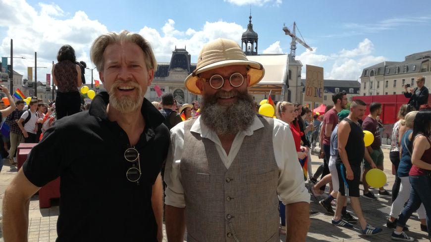 David et Christophe, le premier couple gay marié par Jean-Claude Boulard, se souviennent de son engagement marqué pour la cause homosexuelle.