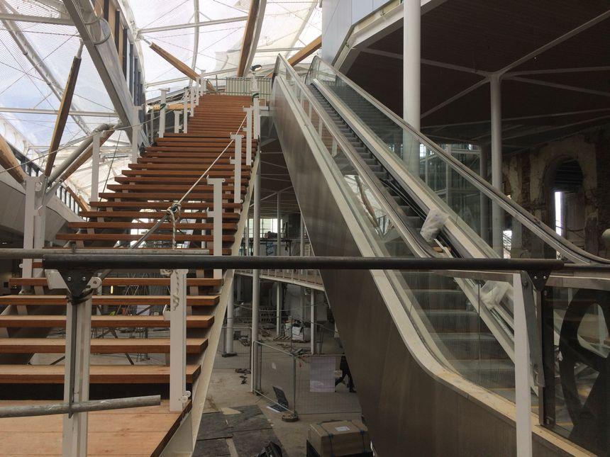 De nouveaux escaliers mécaniques et fixes vont être mis en place