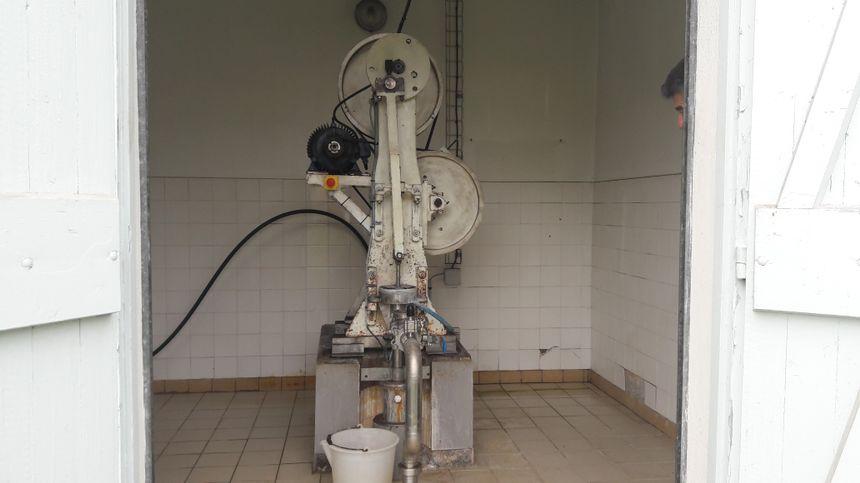 Le puits de forage d'Hydroxydase au Breuil-sur-Couze