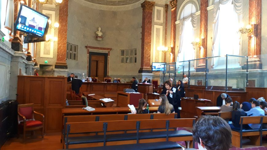 La salle d'audience avant la reprise des débats