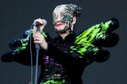 L'Islandaise Björk sur la scène du Governors Ball Music Festival de New York le 6 juin 2015