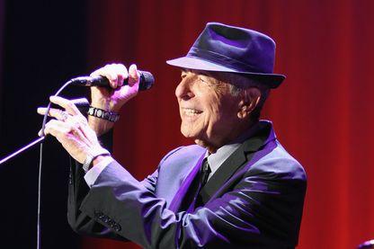 Leonard Cohen sur scène le 11 septembre 2013 à Dublin, Irlande.