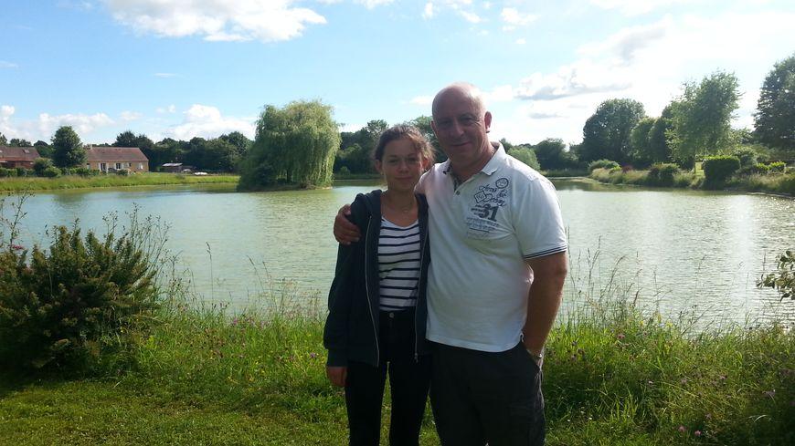 Manon, 14 ans, est soutenue par son père, Didier