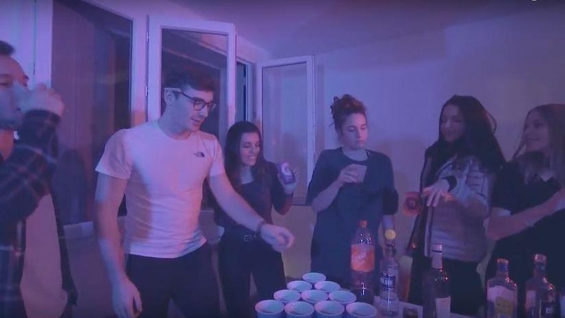 Dans la première partie de ce court-métrage : une banale soirée étudiante vire au drame - PCJ Prévention conduite jeune