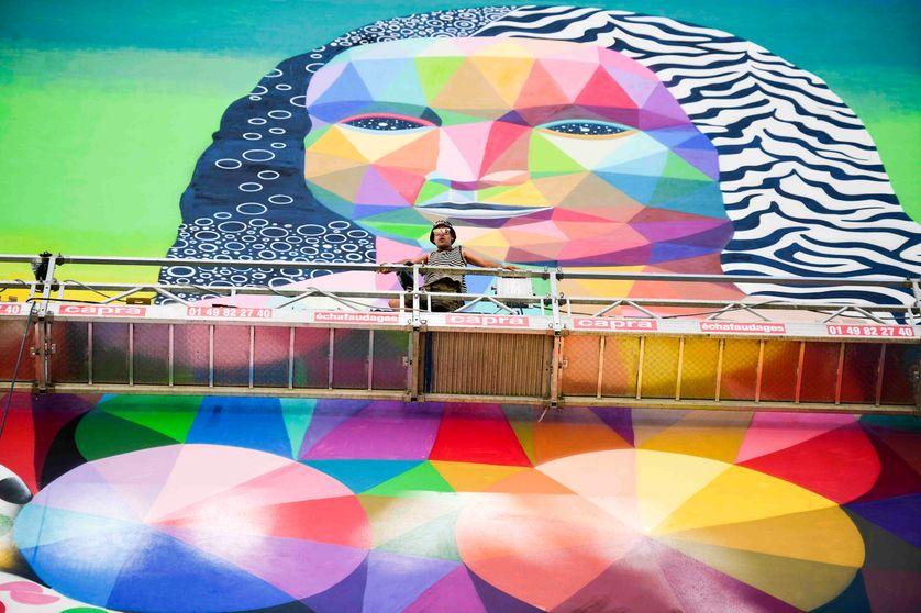 La Joconde par l'artiste espagnol Oscar Okuda à Paris le 14 juin 2017