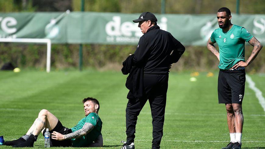 Conserver Mathieu Debuchy et Yann M'Vila fait partie des priorités de l'intersaison pour l'ASSE.