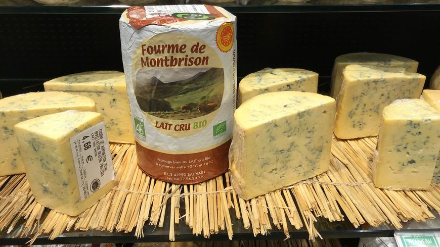 La Fourme de Montbrison au lait cru Bio  produite par la fromagerie ELS de Sauvain