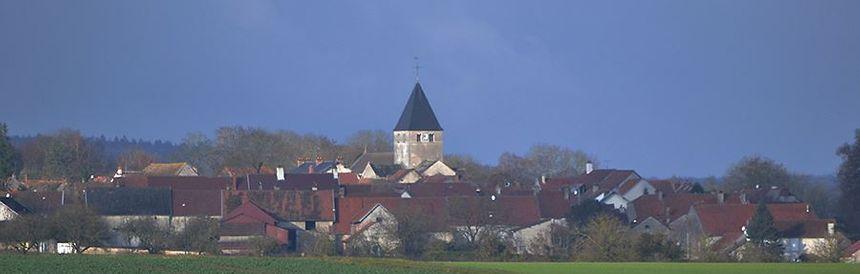 Une vue de la commune de Til-Châtel