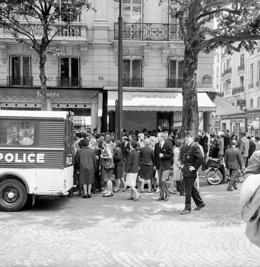 Braquage d'une bijouterie parisienne dans les années 1960