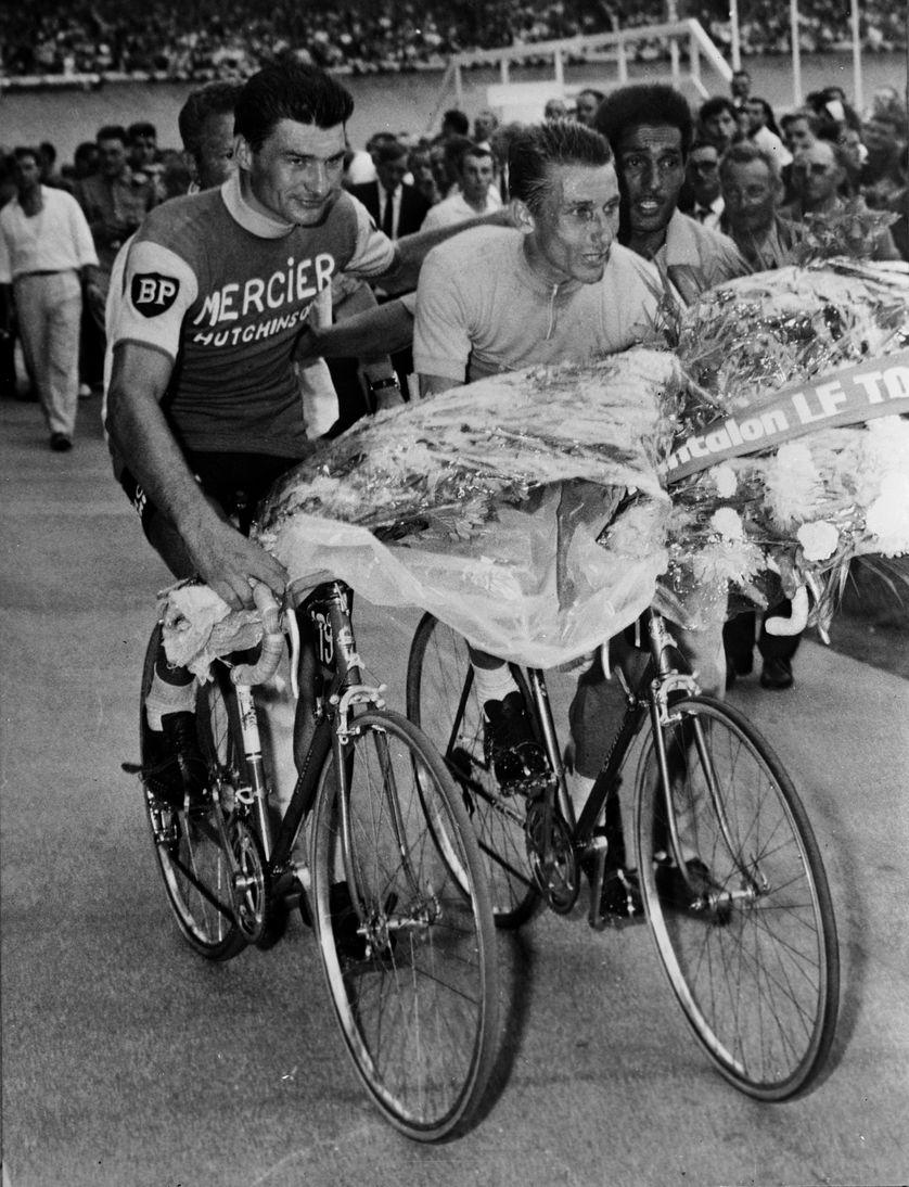 Arrivée du Tour de France 1964: Jacques Anquetil et Raymond Poulidor