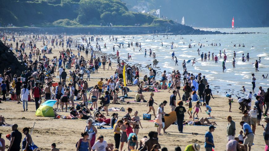 Soleil et chaleur partout en Bretagne, comme ici en baie de Saint-Brieuc