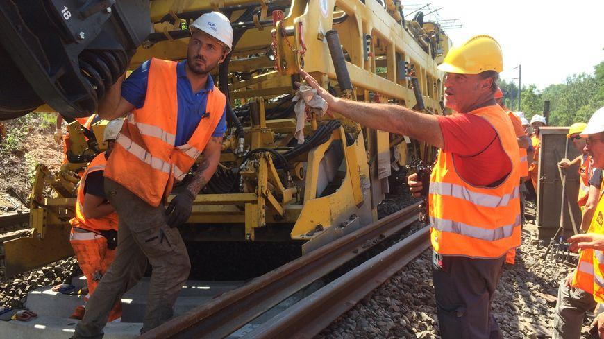 Remplacement des rails, des traverses et du ballast entre Chambéry et St André le Gaz