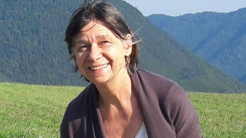 Annick Larroque, 71 ans, souffre d'Alzheimer ne connaît pas les environs. Elle a pu faire du stop pour rentrer chez elle, à Paris.