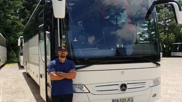 Albert Ferrere, chauffeur de 31 ans, a été félicité par les gendarmes et les pompiers (photo transmise par Albert Ferrere)