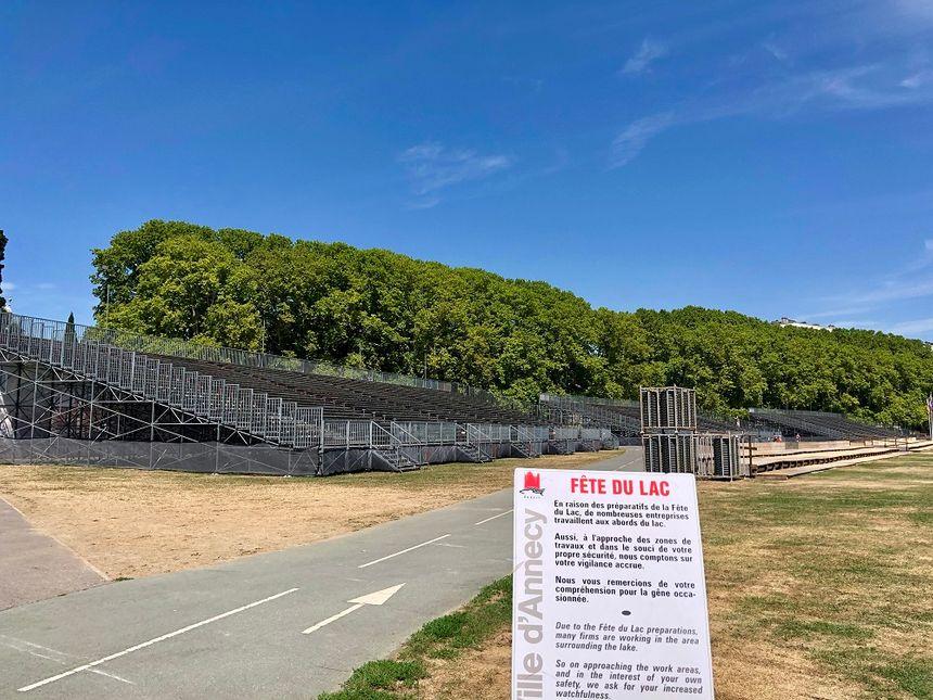A Annecy, le montage des tribunes de la Fête du lac a demandé 15 jours de travail.