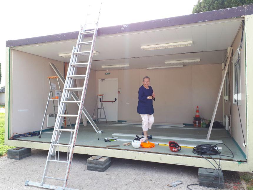 """""""L'important c'est d'avoir un toit sur la tête"""", relativise Marie-Christine Join Lambert, maire de Brétigny dans l'Eure."""
