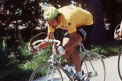 Bernard Thevenet en juillet 1977  lors de la 17e étape Chamonix-Alpes d'Huez du Tour de France
