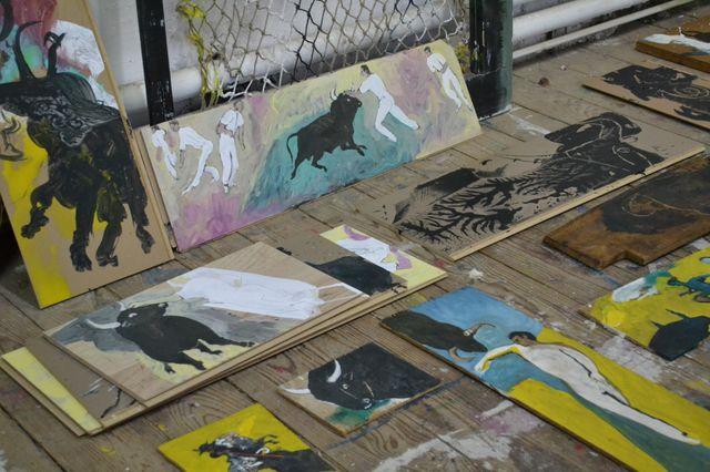 Dans l'atelier du peintre Claude Viallat.