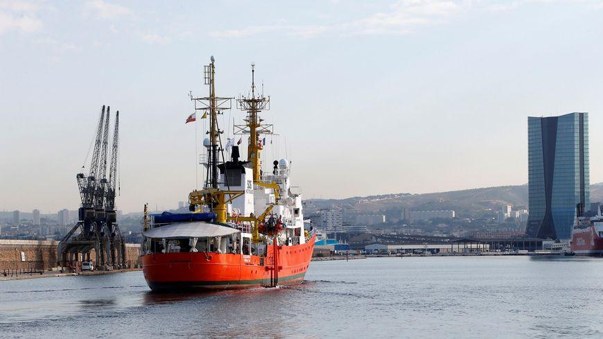 L'Aquarius dans le port de Marseille