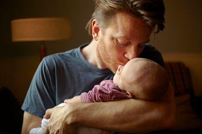 Comment faire en sorte que les pères prennent leur congés paternité ?