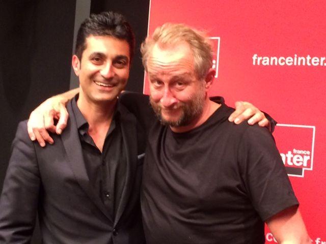 Benoît Poelvoorde dans le studio du Club estival en compagnie d'Emmanuel Khérad