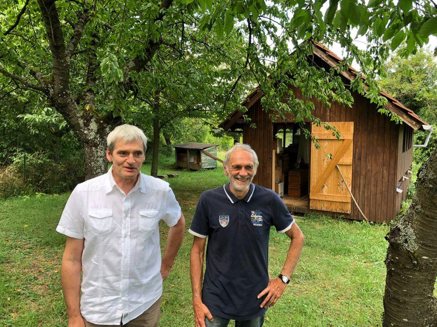 Marc Roehrbein et Richard Dobert, du syndicat des apiculteurs d'Obernai et environs