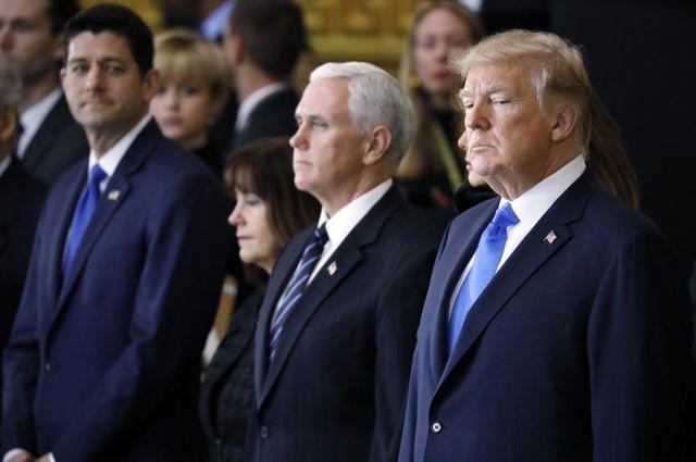 Paul Ryan (à gauche), Mike Pence et Donald Trump