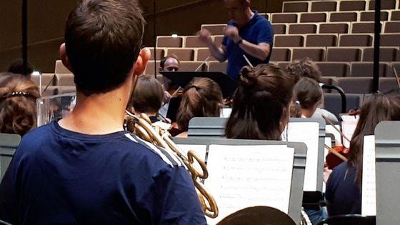 Jeune symphonie de l'Aisne en répétition avec François-Xavier Roth