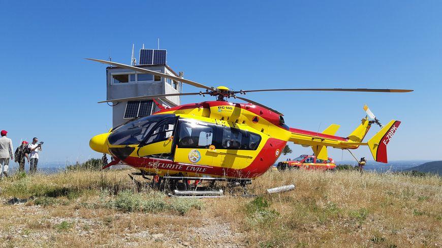 Le Dragon 34 de la sécurité civile, l'un des deux hélicoptères opérationnels.