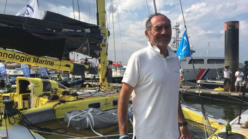 Le Vosgien Charlie Capelle décompresse après son arrivée à Cherbourg.