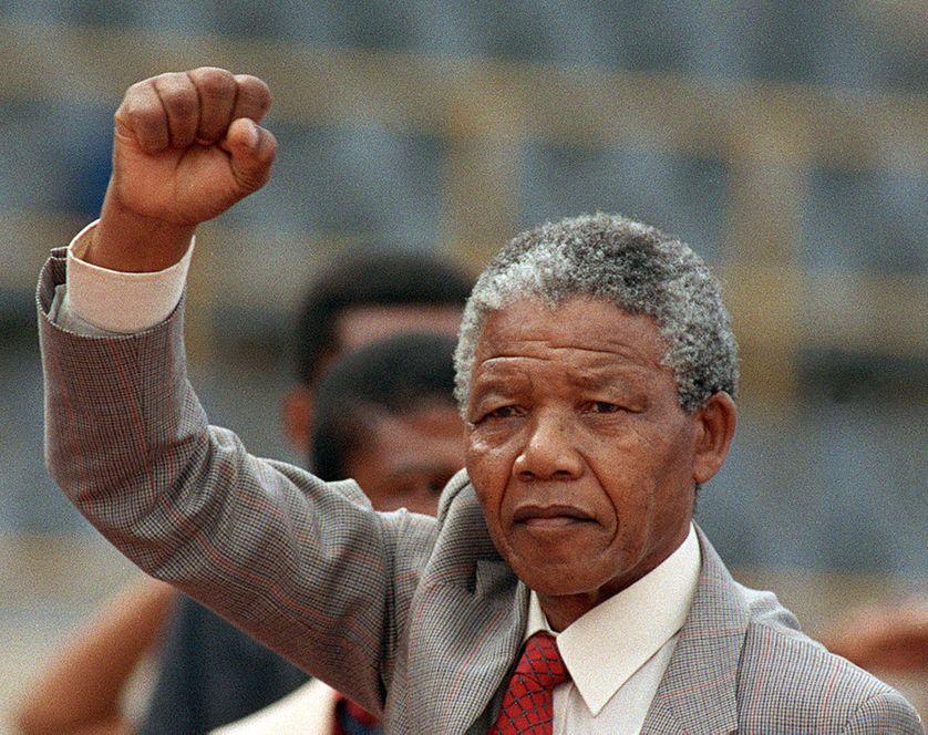 Nelson Mandela, quelques jours après sa libération de prison, le 25 février 1990, dans la ville conservatrice Afrikaaner Bloemfontein.