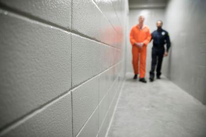 Comment se préparer aux sorties de prison des djihadistes ?