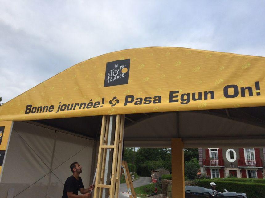 Les préparatifs au départ de Saint-Pée-sur-Nivelle