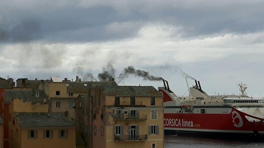 Les villes de Bastia et d'Ajaccio directement concernées par la pollution des navires