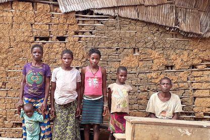 Habitants du village d'Assoumindélé