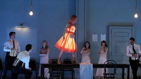 Scène d'Ariane à Naxos, mise en scène de Katie Mitchell, dramaturge Martin Crimpen