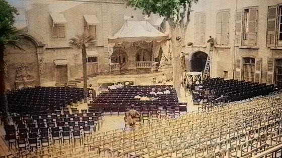 Cour de l'Archevêché / Festival Aix en Provence 1948 avec l'aimable autorisation de Jean-Eric Ely © photographies Henry Ely Aix