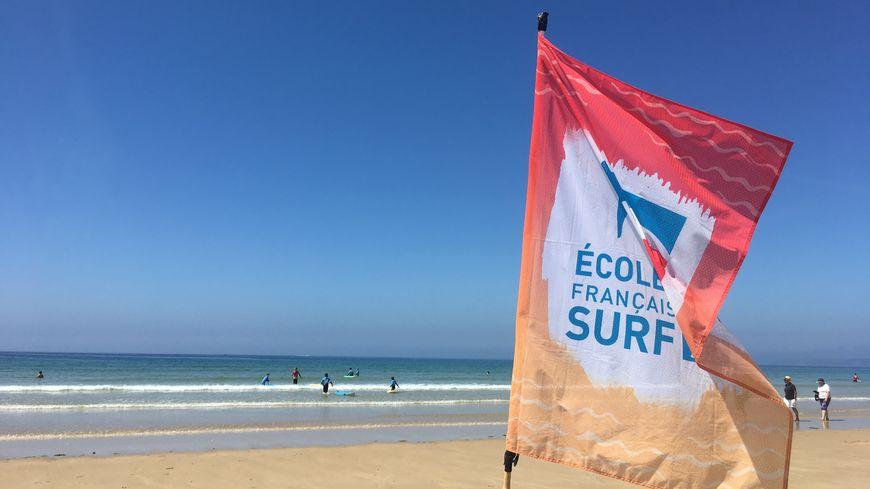 """Sur la plage de Siouville-Hague, les séances d'entrainement s'enchaînent pour """"Cotentin Surf Club"""""""